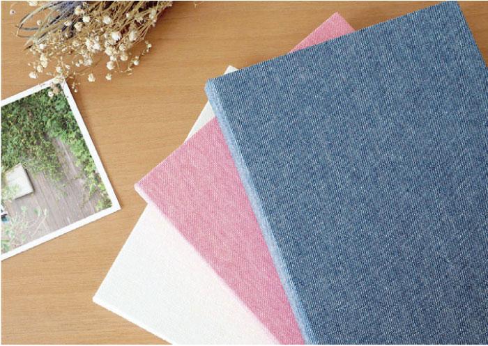 表紙は風合いのある綿生地を使用